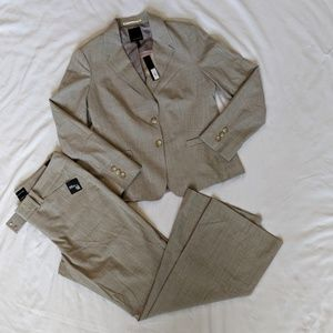 NWT Women's Two-Piece Cassidy Suit
